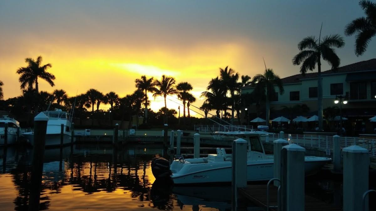 Sunset by Café Des Artiste at Jupiter Yacht Club, Florida