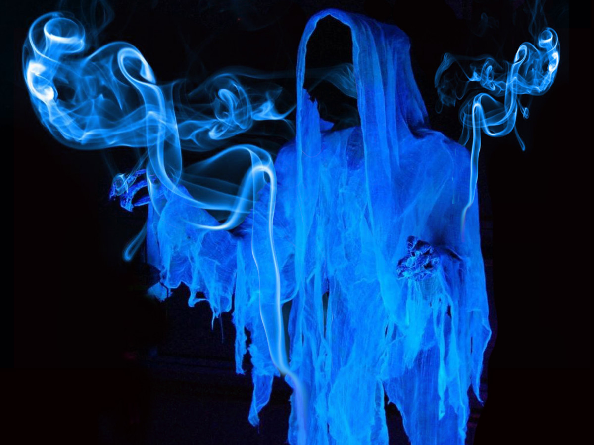 The Scent of a Ghost: Smelling a Specter