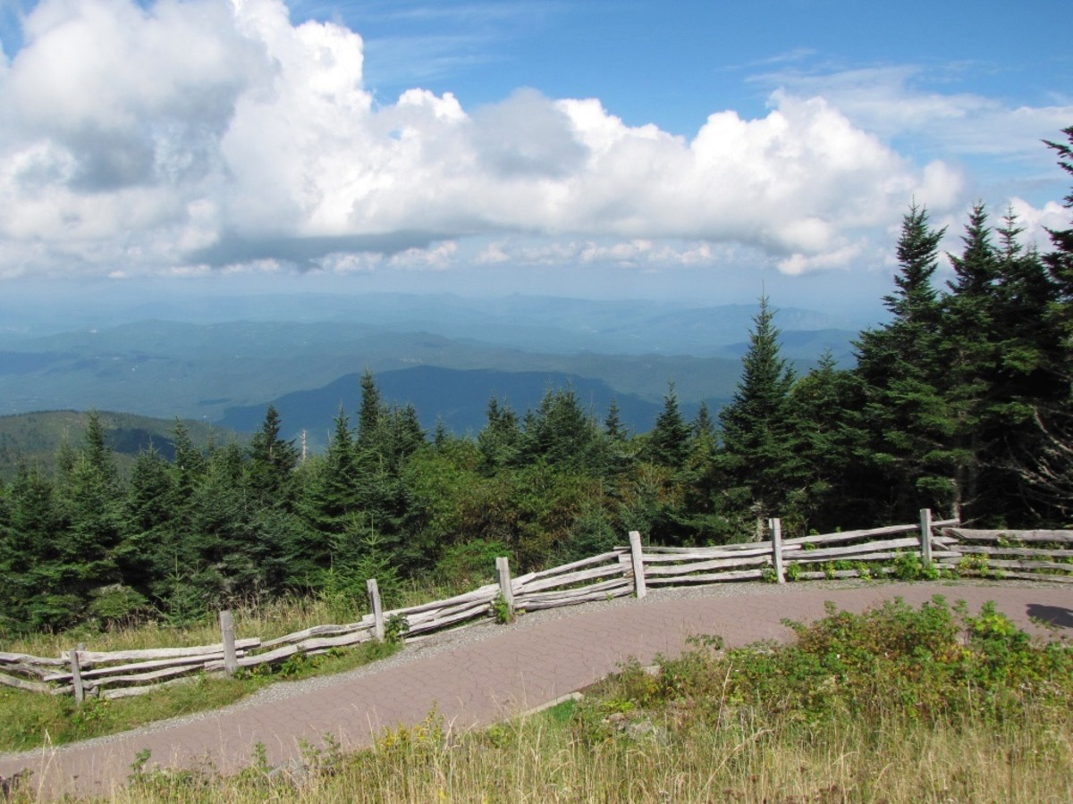 Driving the Blue Ridge Parkway From Asheville to Spruce Pine, North Carolina