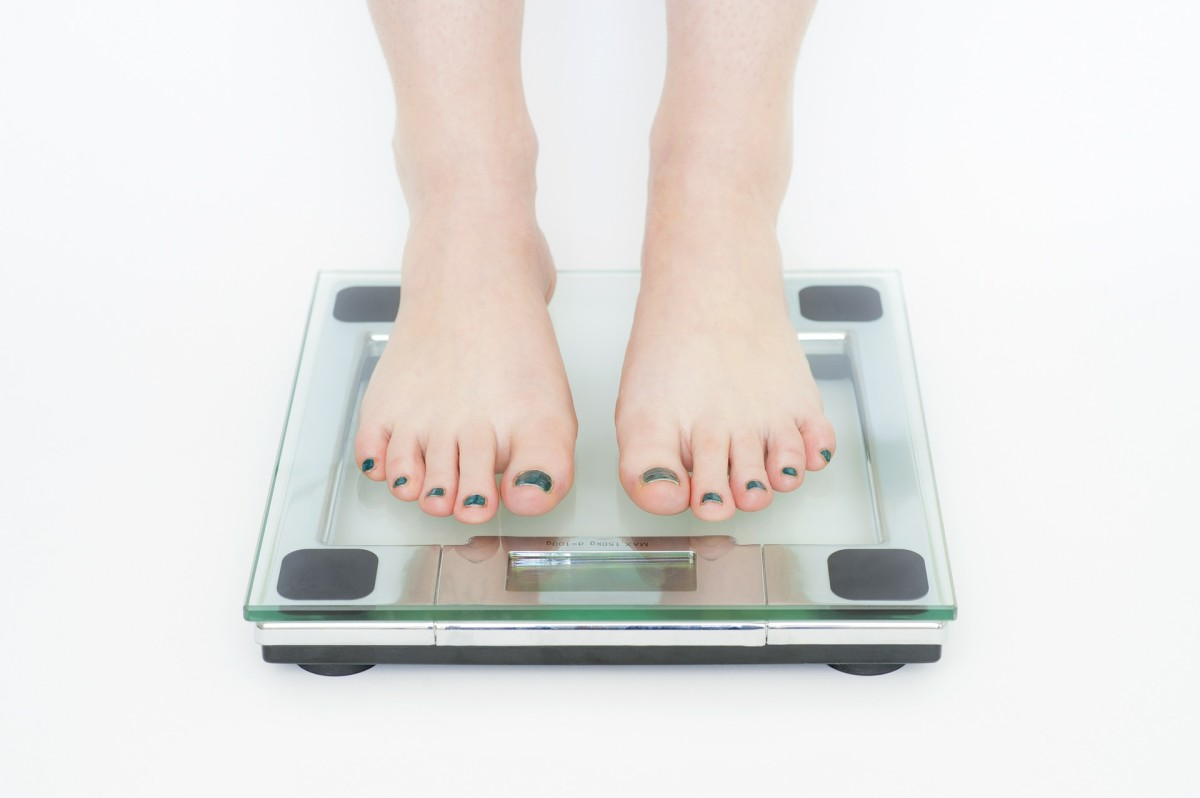 How Accurate Are Smart Scales? (Fitbit Aria vs. PICOOC MINI)