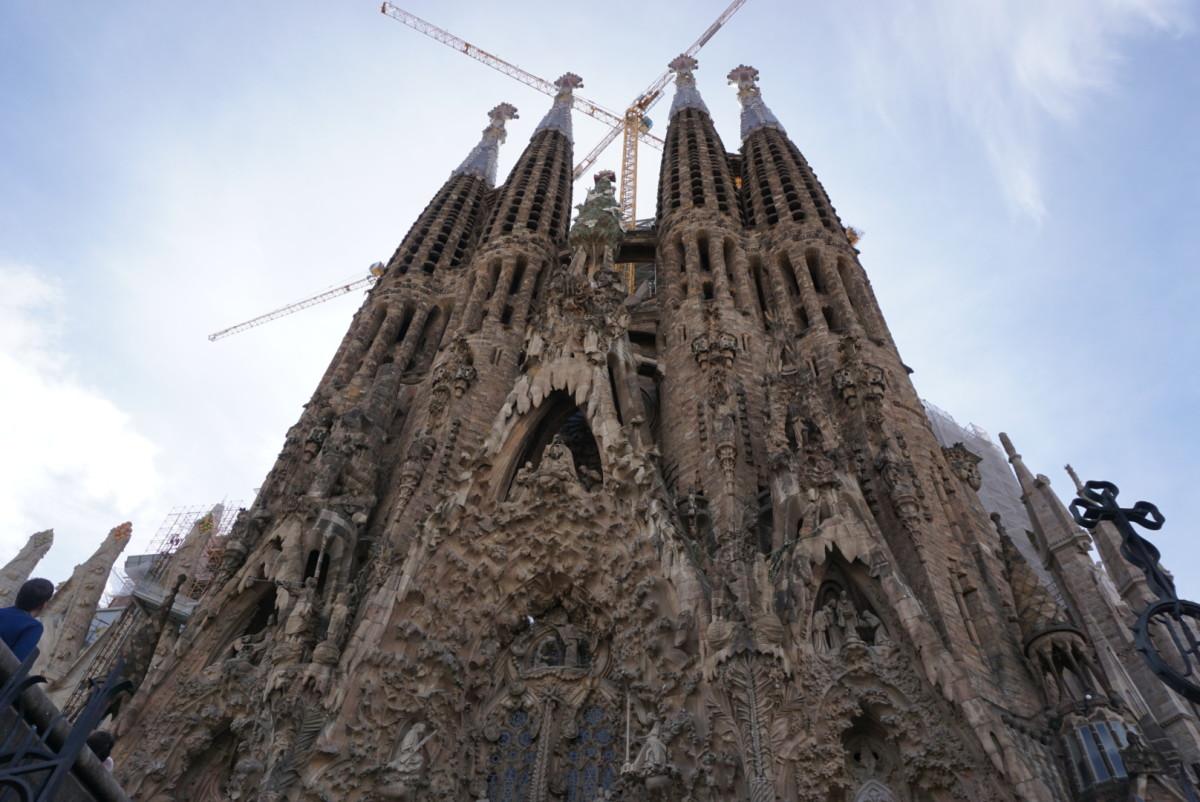 Visiting Barcelona: 5 Must-See Sights