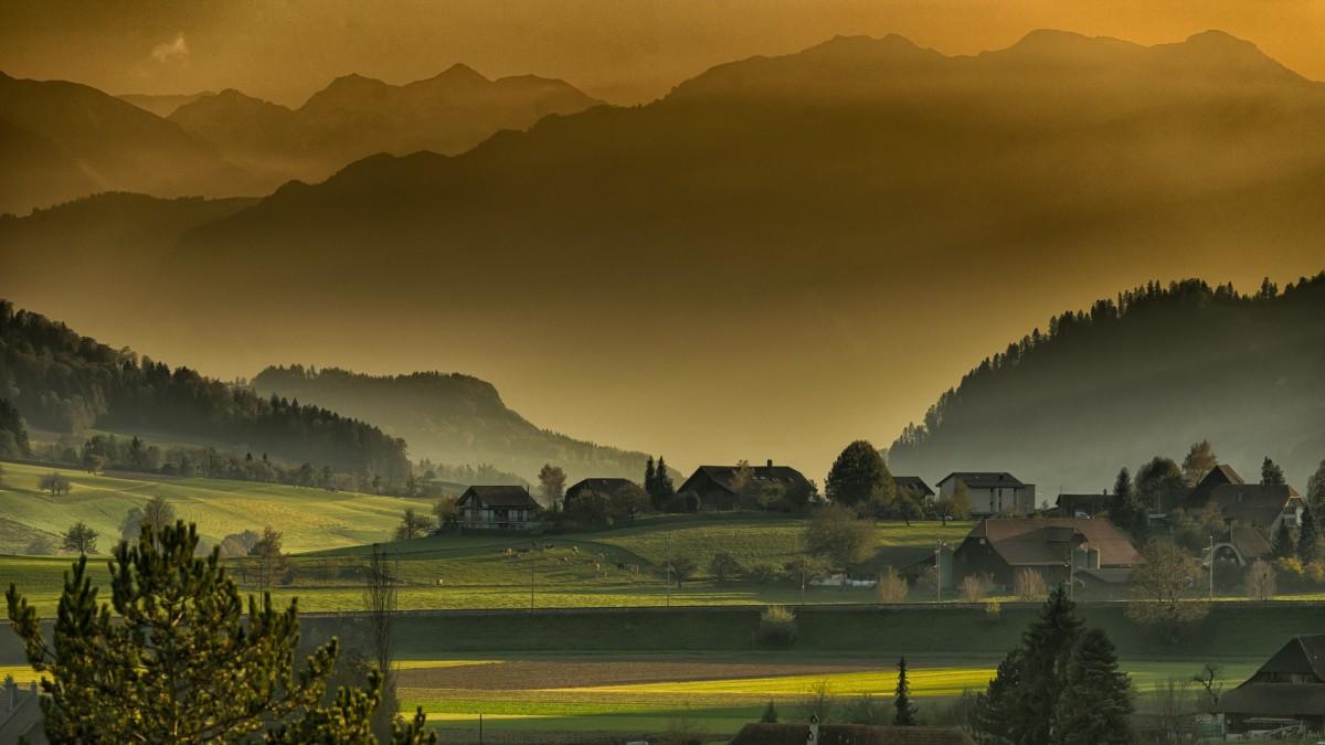 https://pixabay.com/en/landscape-autumn-twilight-mountains-615428/