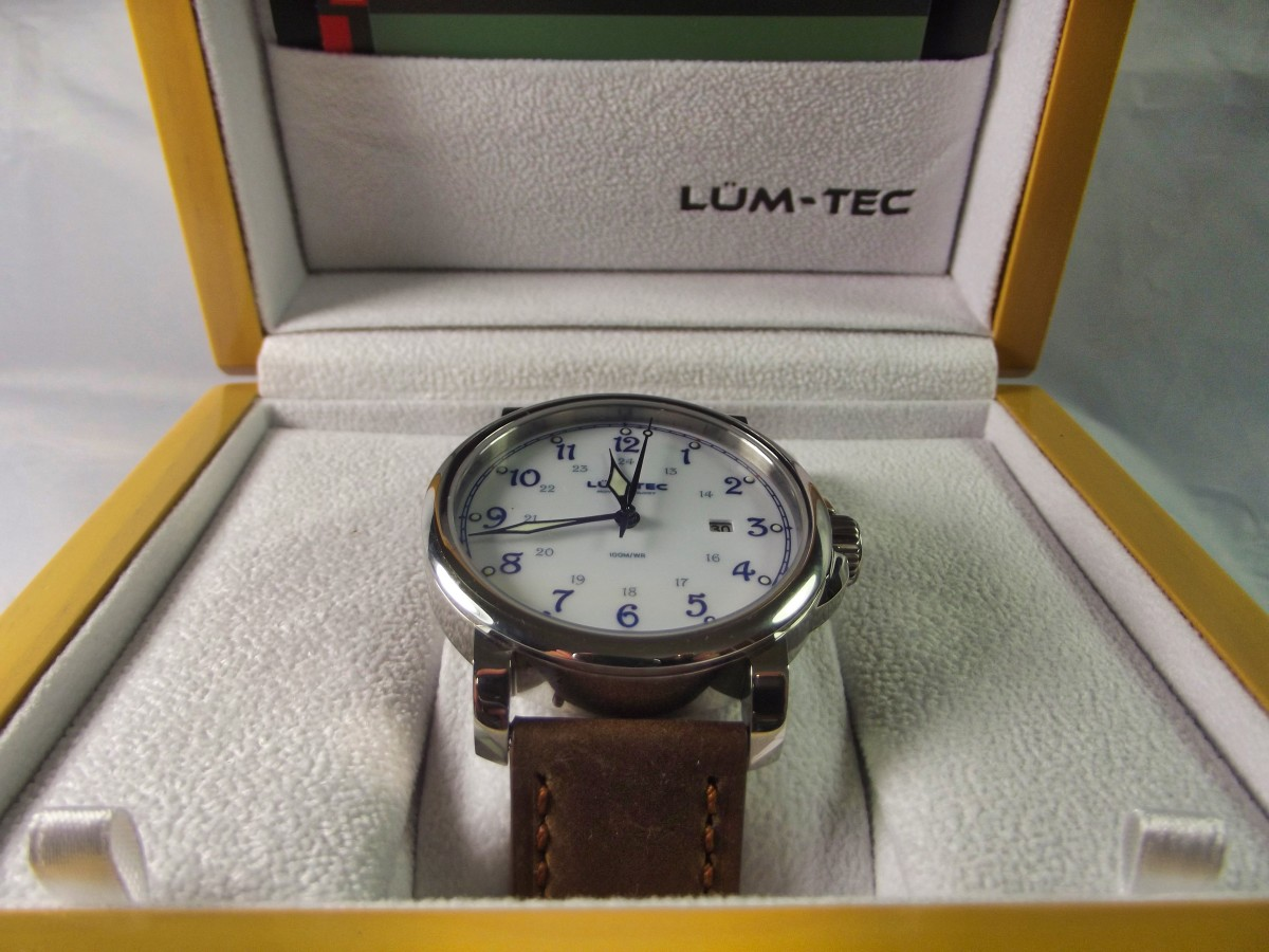 Review of the Lüm-Tec RR2 Automatic Watch