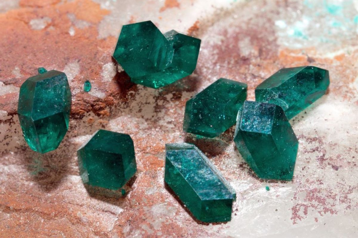 Dioptase can help you develop a positive attutide to life.