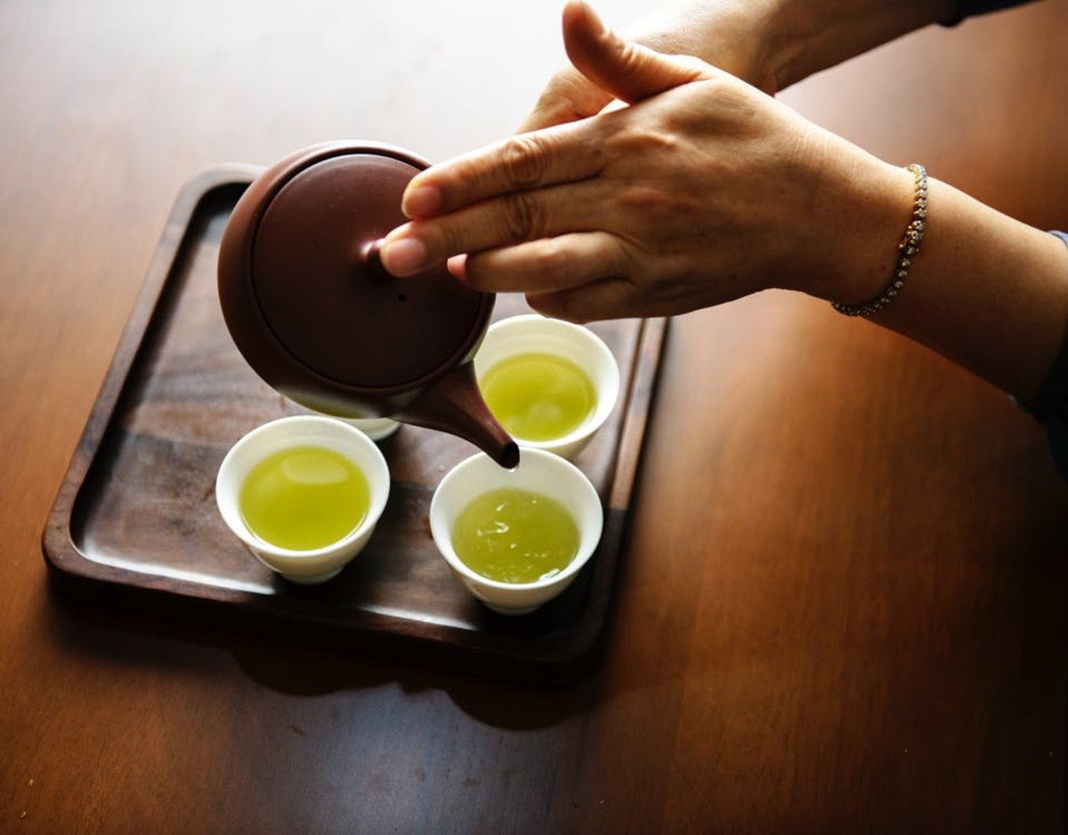 The antioxidants in green tea may help to reduce the risk of many different diseases, including cancer.