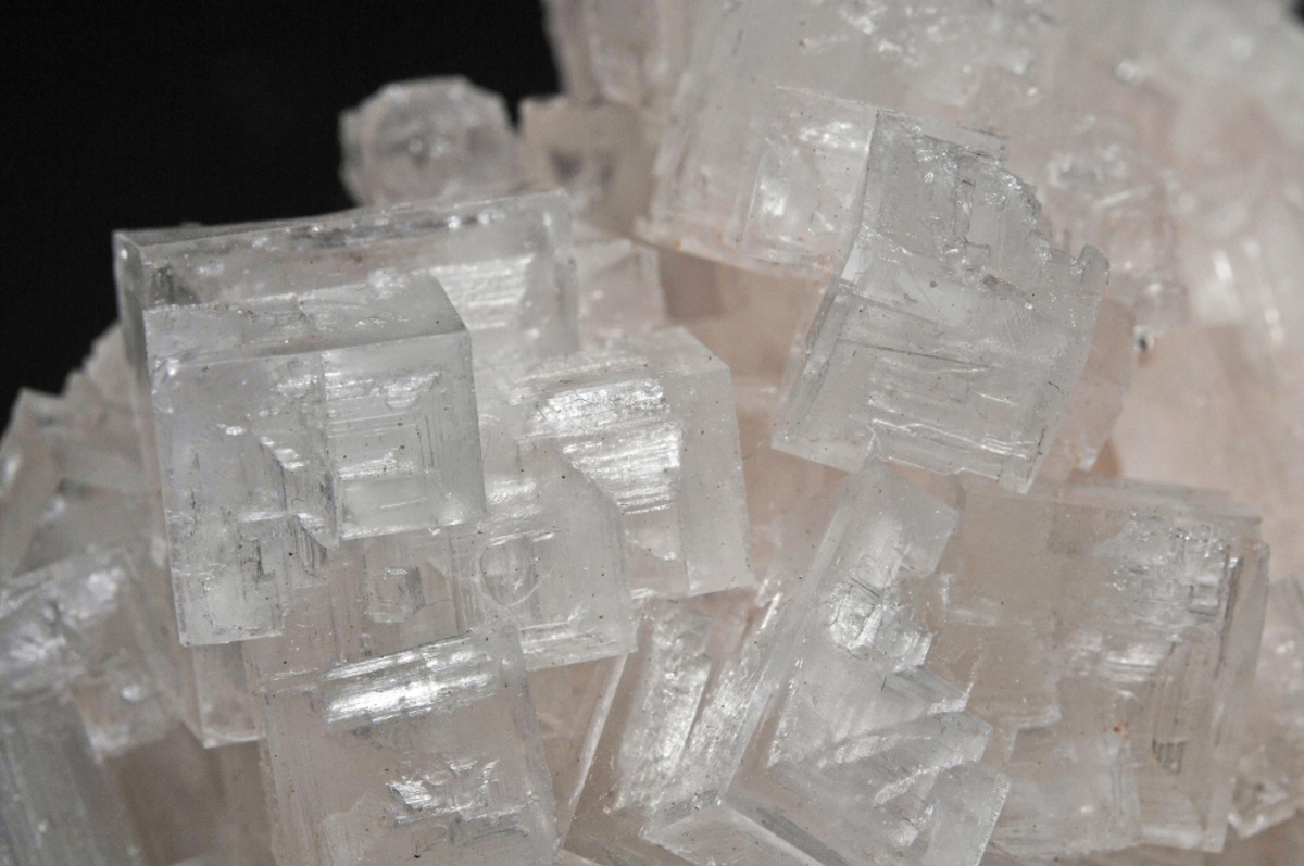 Halite can be used to enhance metaphysical abilities.