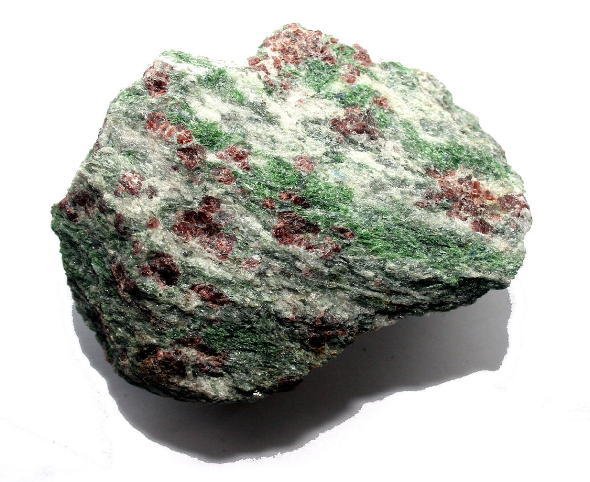 Eklogite is a nurturing stone that boosts courage.