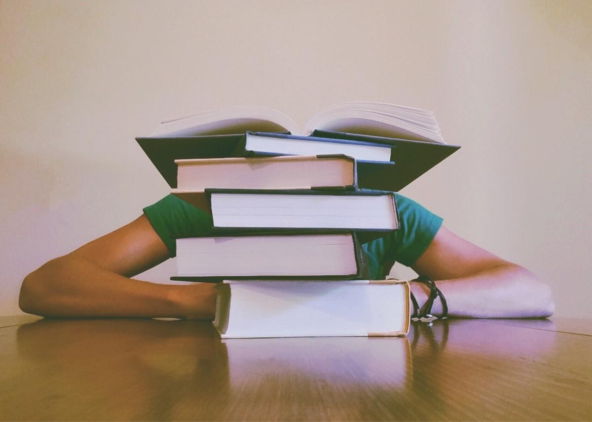 4 Tips to Not Feel Sleepy While Studying
