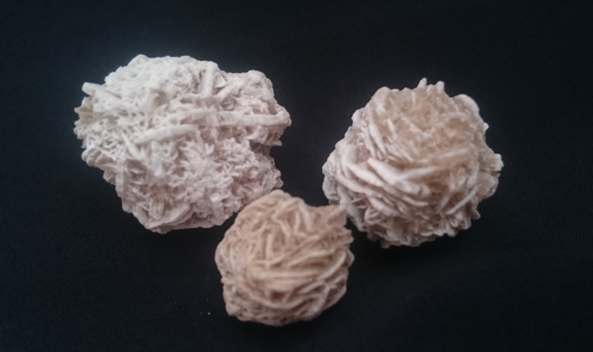 Desert rose can help you make sense of confusion situations.