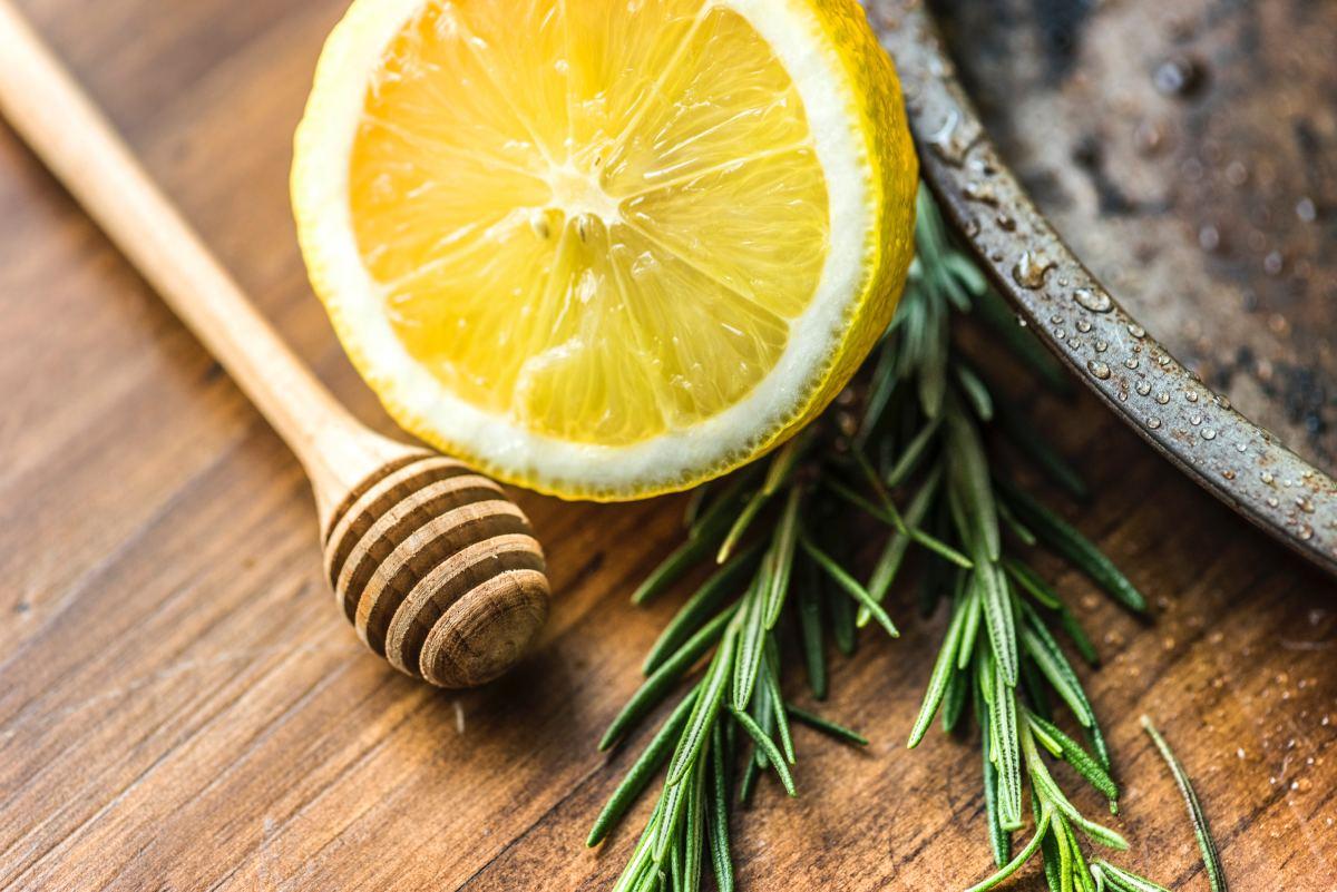 Prevent colds with this super tea recipe.