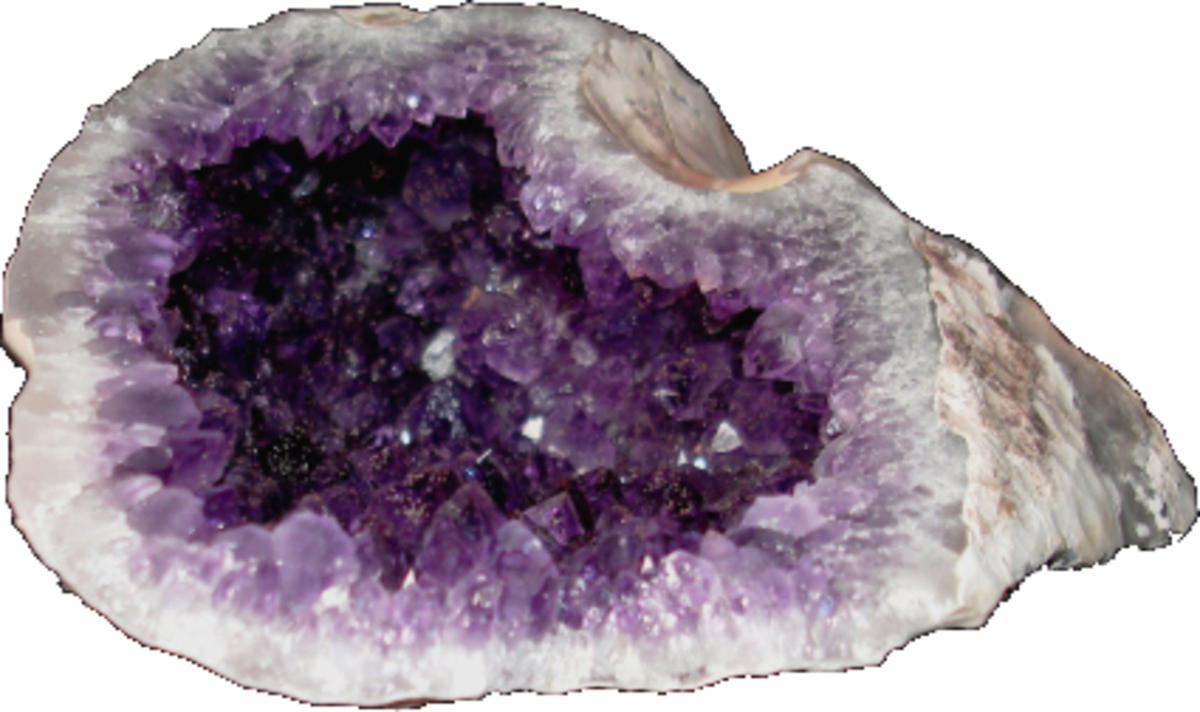 Amethyst helps in the treatment of insomnia, nightmares, headaches, and migraines.