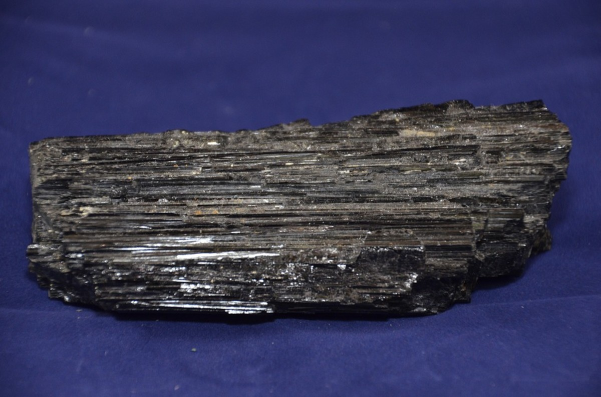 Top 5 Benefits of Black Tourmaline