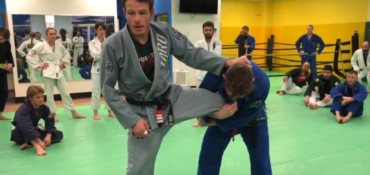How to Defend a Single Leg Takedown