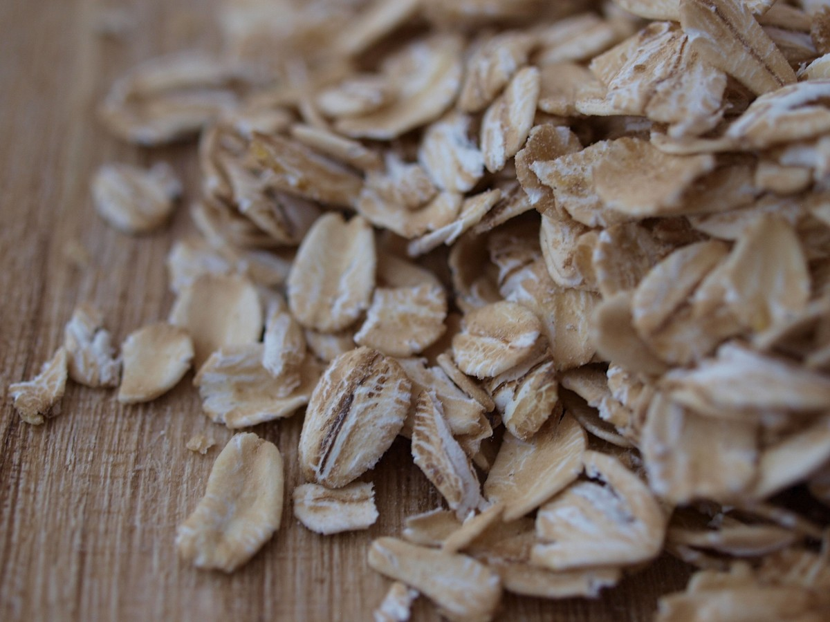Oats are a great and easy way to get your daily fiber intake once symptoms subside.