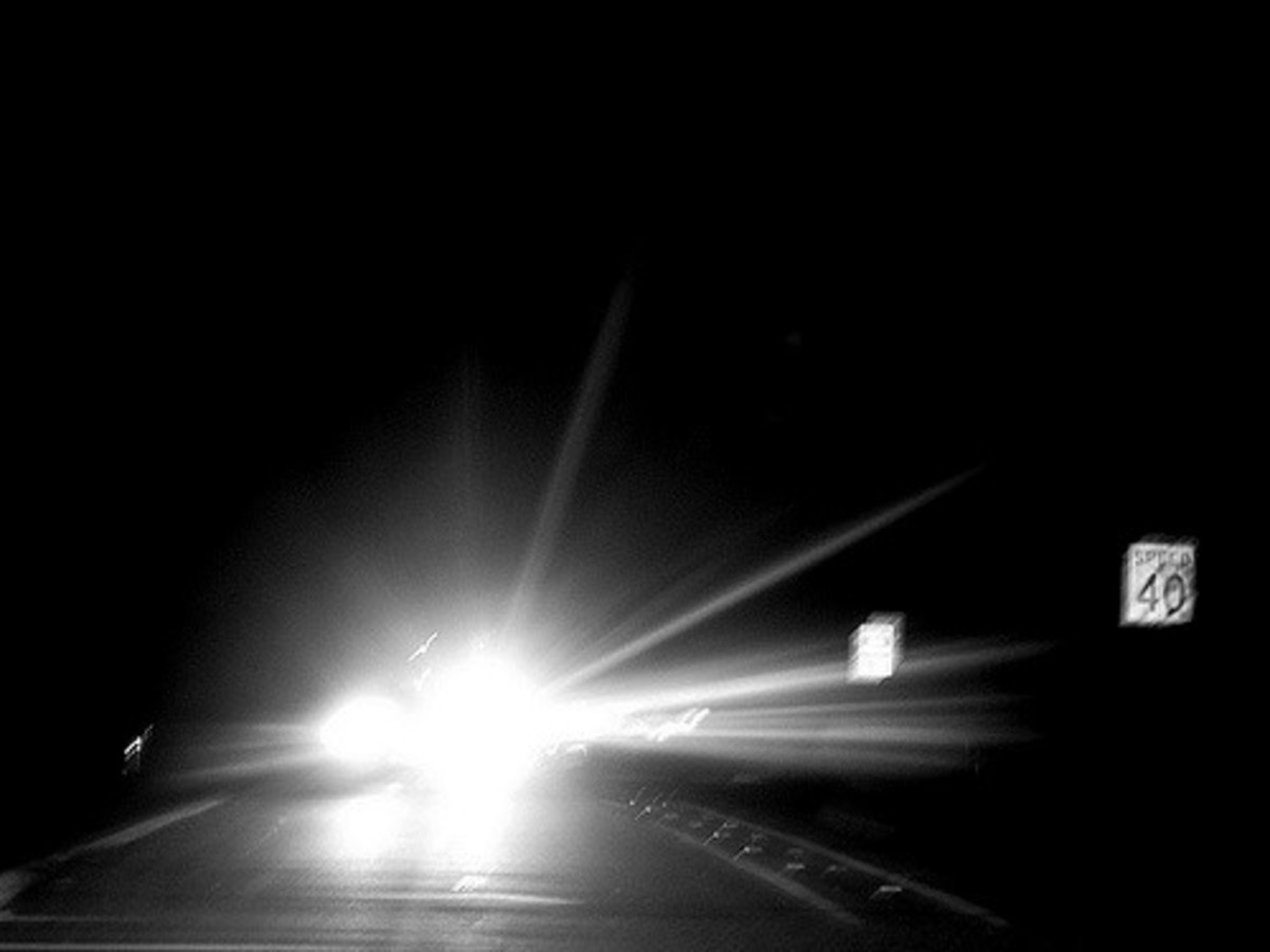 how-to-handle-night-blindness-and-headlight-glare