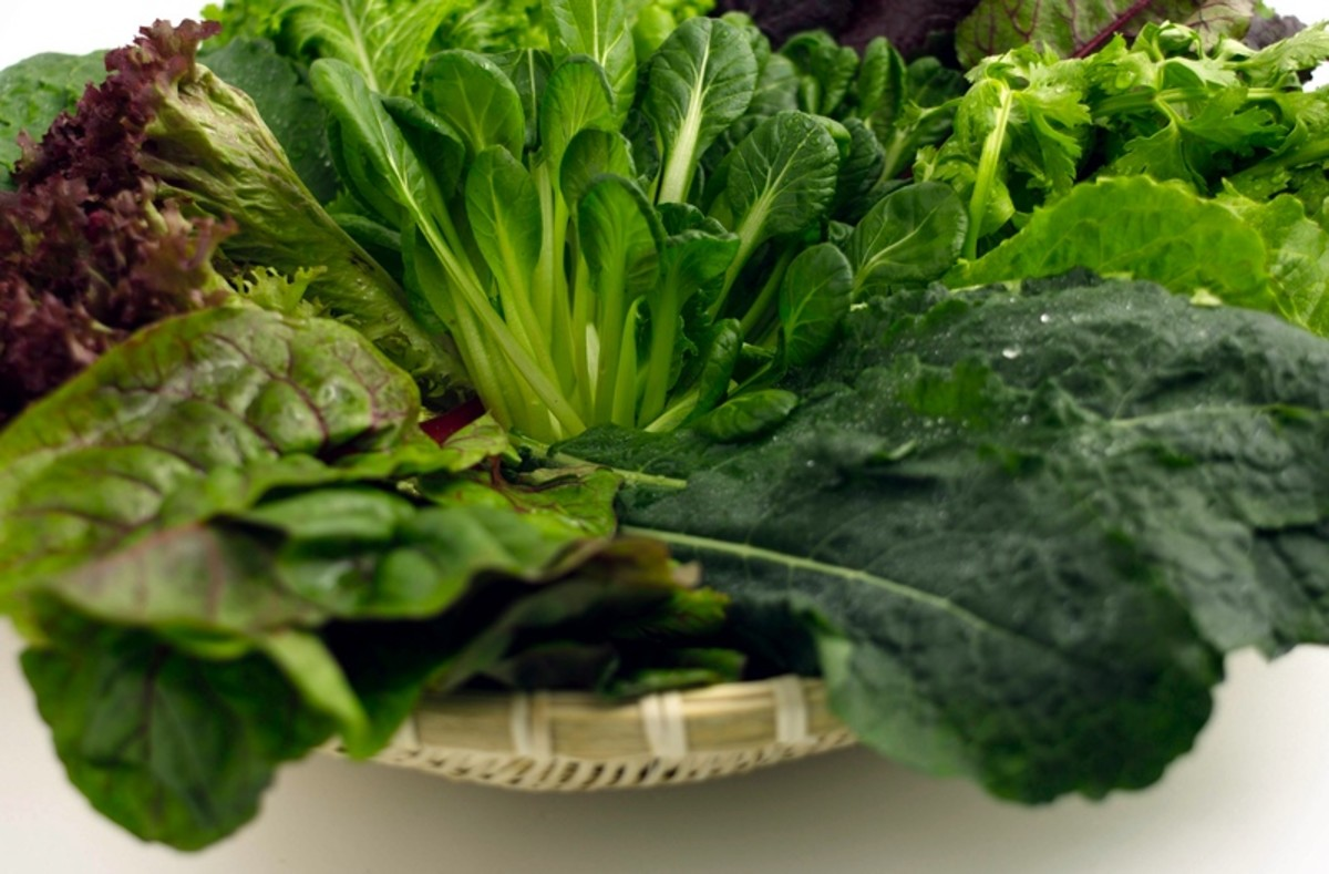 Leafy green veggies are jam-packed with antioxidants and vitamins that protect the eyes.