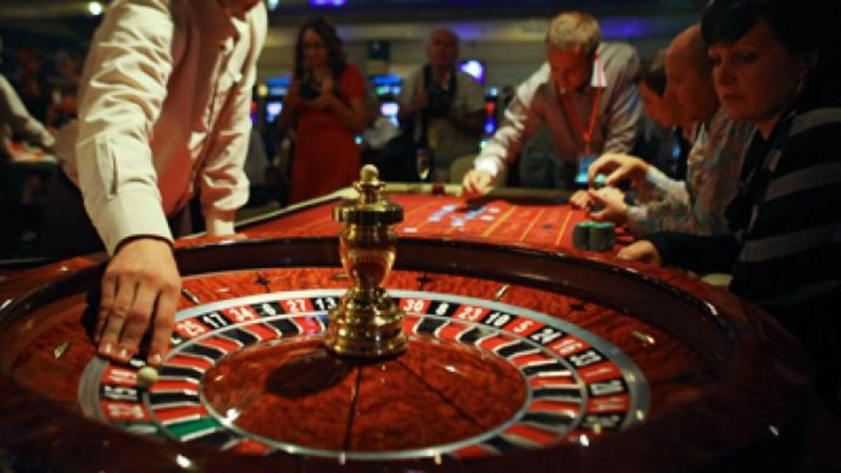 how-to-recognize-if-someone-you-know-may-have-a-gambling-addiction