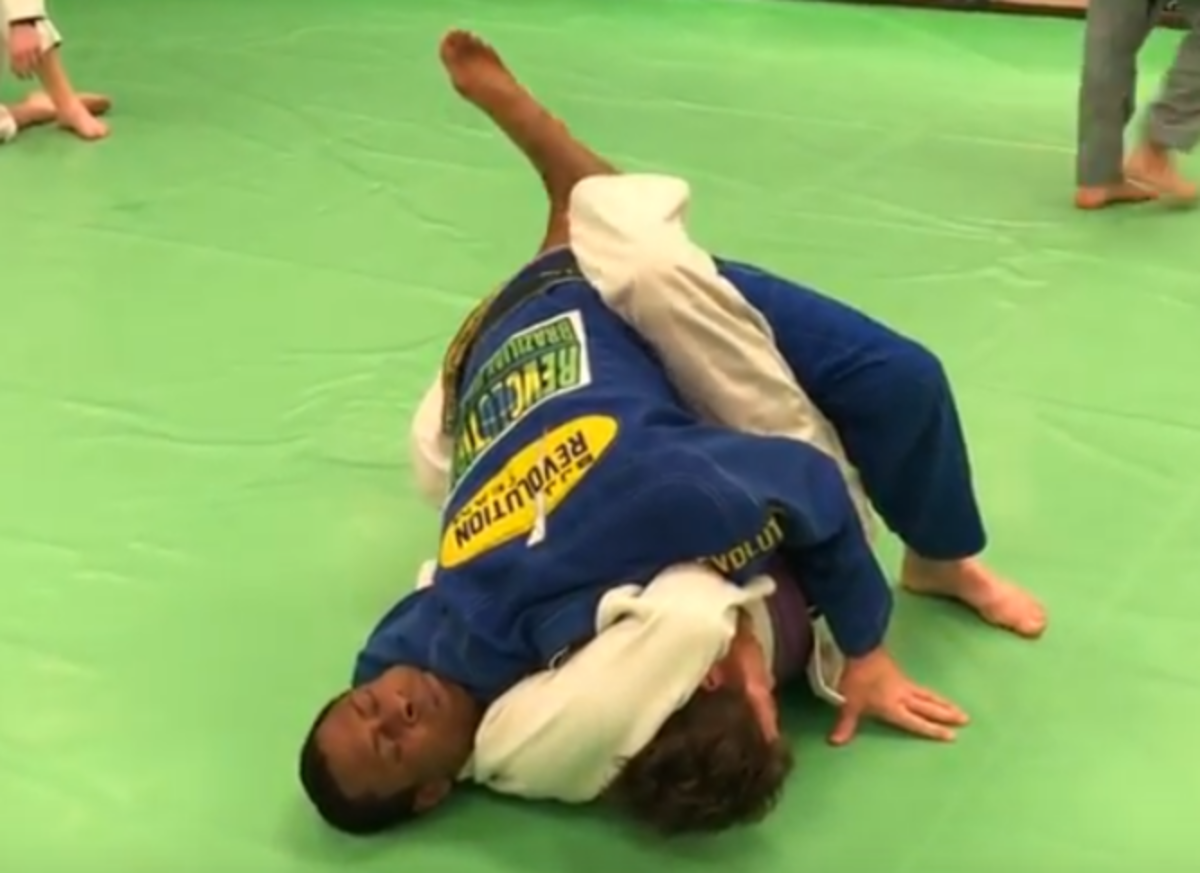 How to Defend a Guillotine Choke