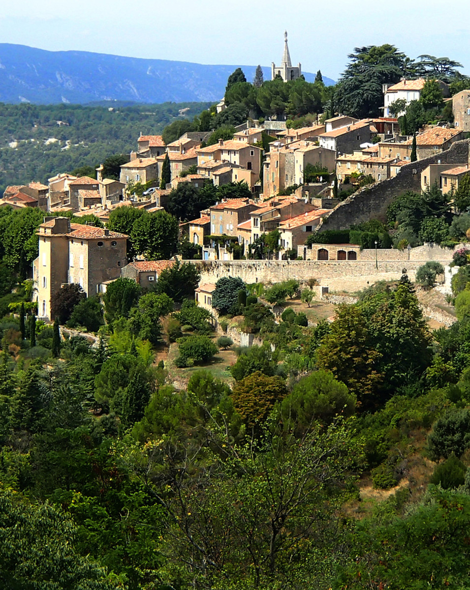 Provence, France: 7 Amazing Perched Villages to Visit This Summer
