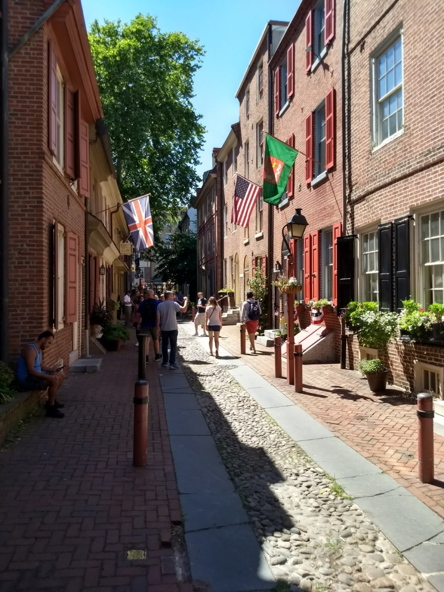 Visiting Elfreth's Alley: The Oldest Residential Street in America