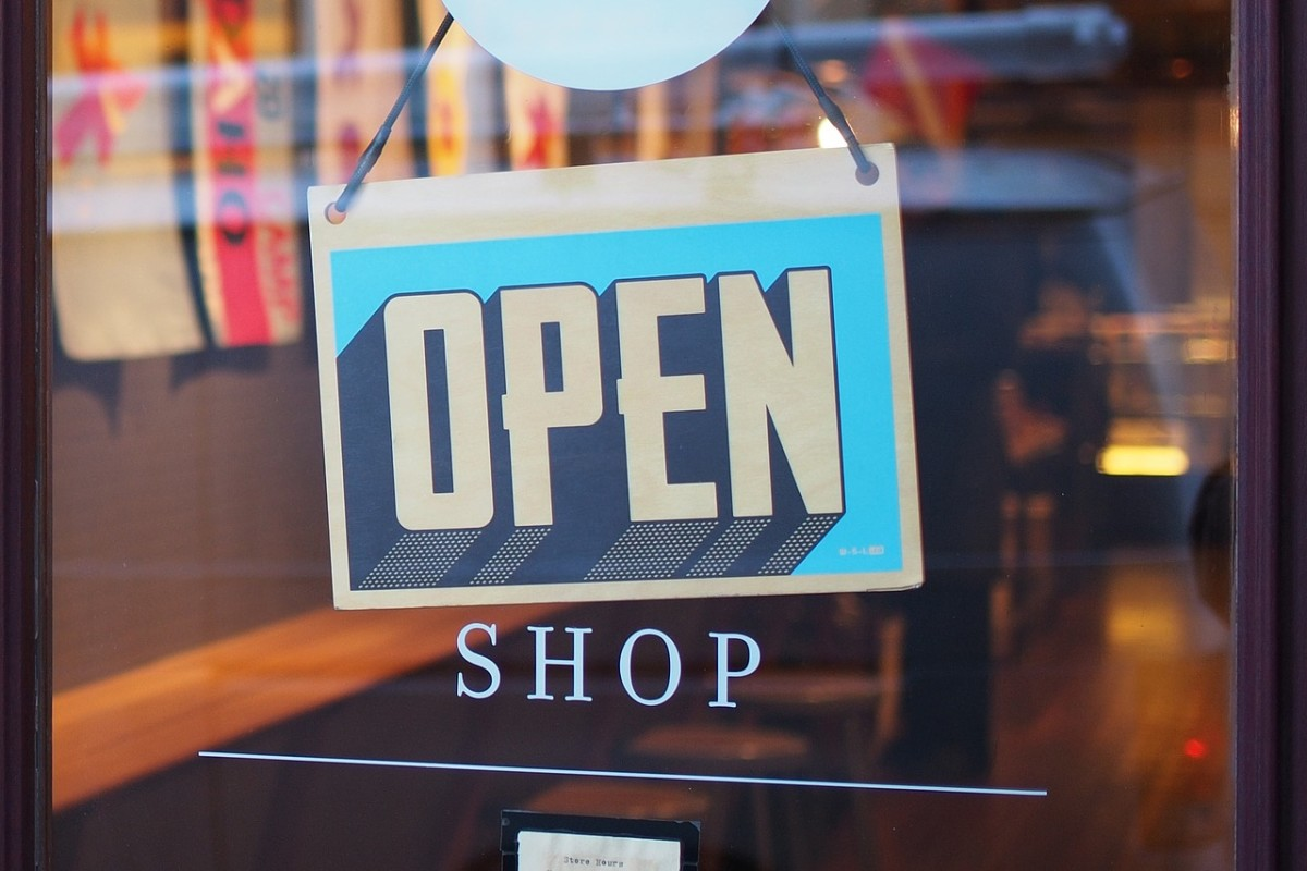 Why Are Brick & Mortar Stores Failing and Can They Be Saved?