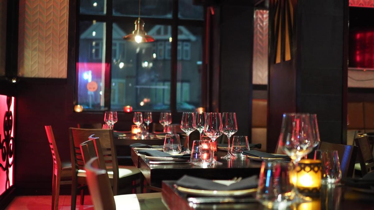 Eight Jokes You Should Never Tell Your Restaurant Server