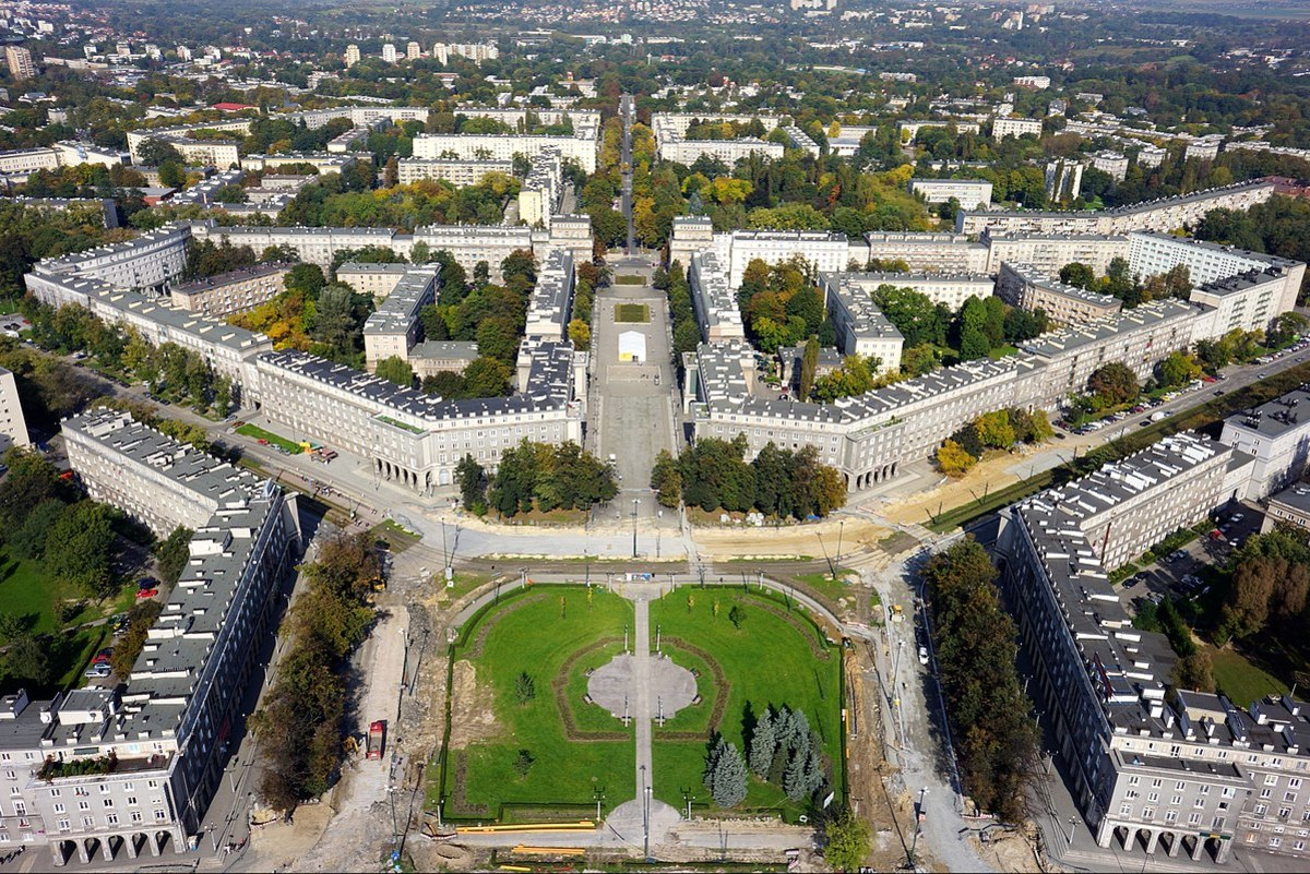 Nowa Huta in Kraków, Poland, serves as an unfinished example of a Utopian ideal city. (photo by Piotr Tomaszewski, fly4pix.pl - Own work, CC BY-SA 3.0 pl)