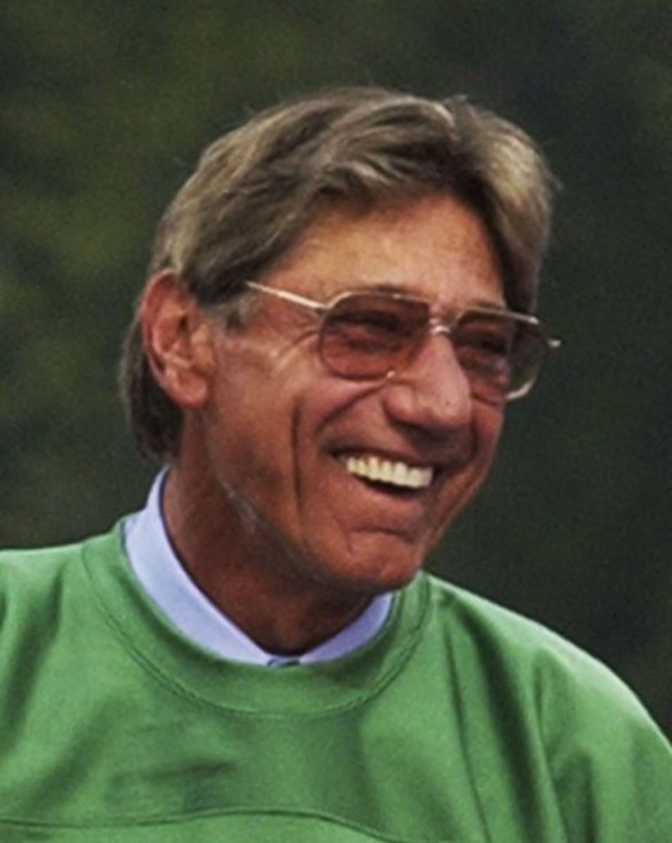 Joe Namath, the quarterback of the New York Yets who predicted a sure victory against the Baltimore Colts in Super Bowk III.