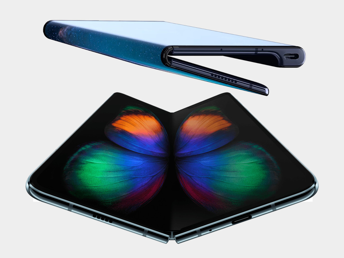 The Huawei Mate X (top) and Samsung Galaxy Fold (bottom) were both presented at MWC 2019.