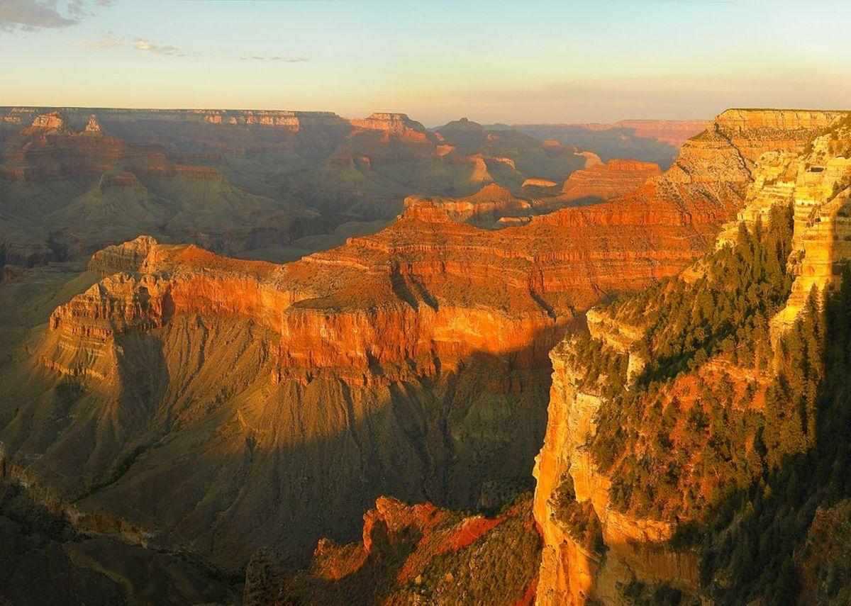 Grand Canyon sunset viewed from Yavapai Point