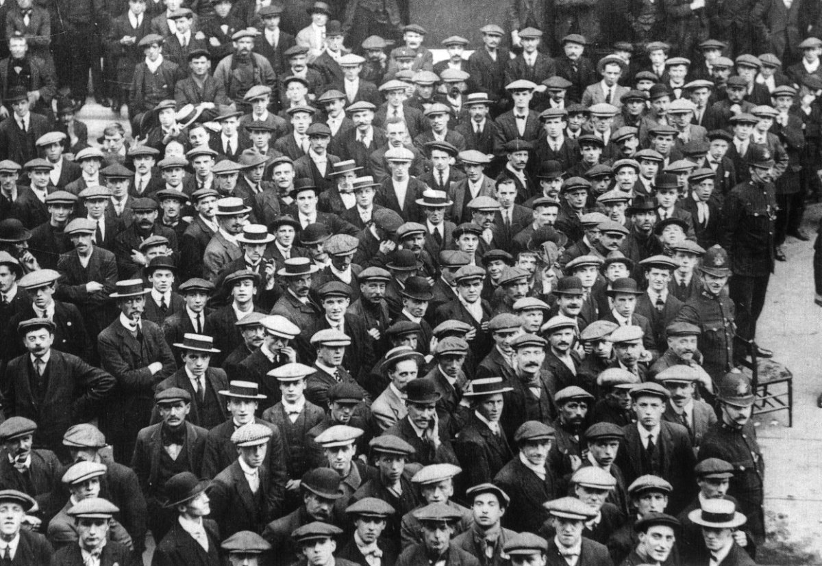 British Volunteer recruits in London, August 1914, joining up for the army headed to the front in World War I.
