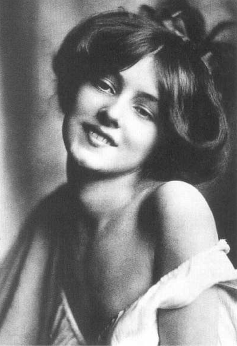 Evelyn Nesbit and the First Trial of the Century