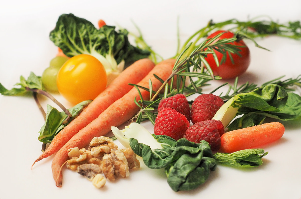 Include Raw Foods for a Healthy Diet