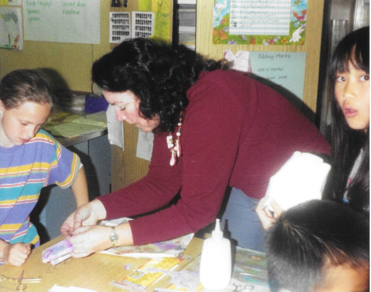Me teaching a art/craft lesson to a 4th grade class.