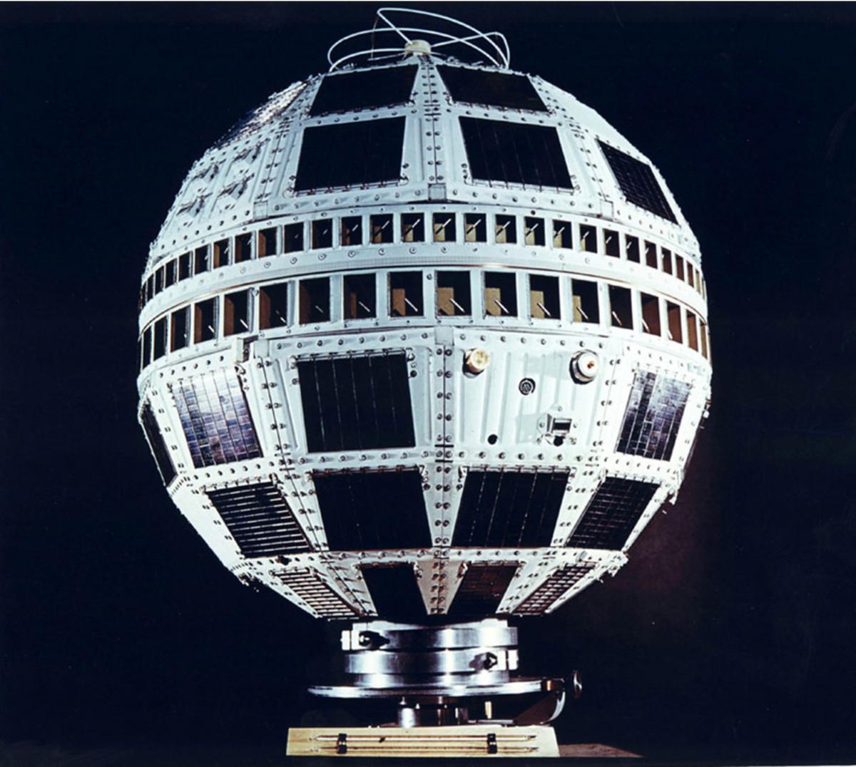 Closeup of the Telstar satellite