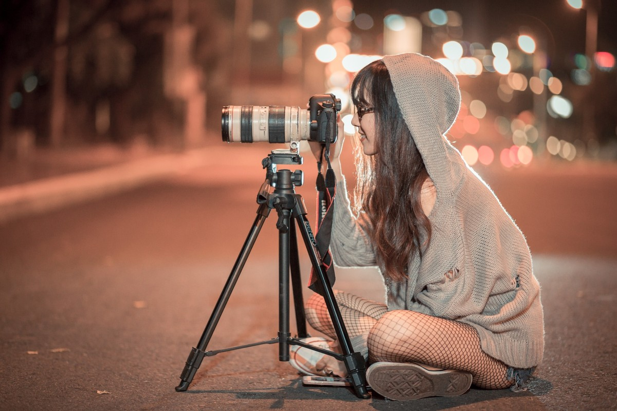 You can make an income with the photos you sell online.