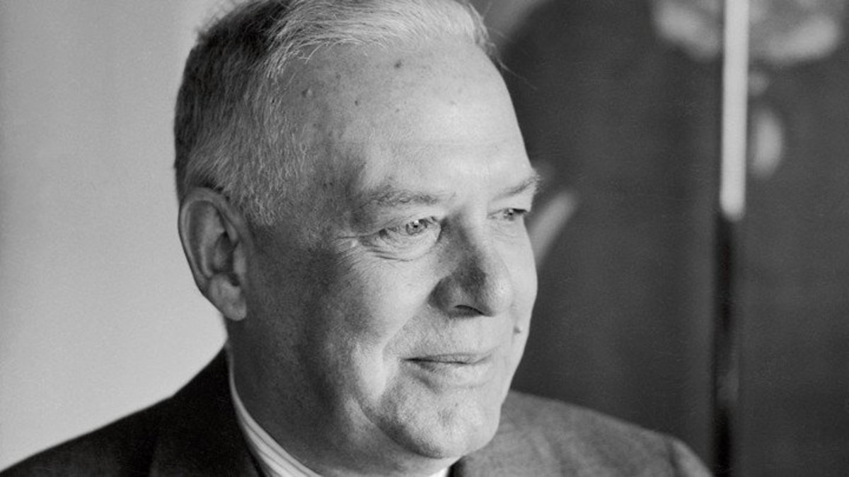 """Analysis of the Poem """"The Snow Man"""" by Wallace Stevens"""