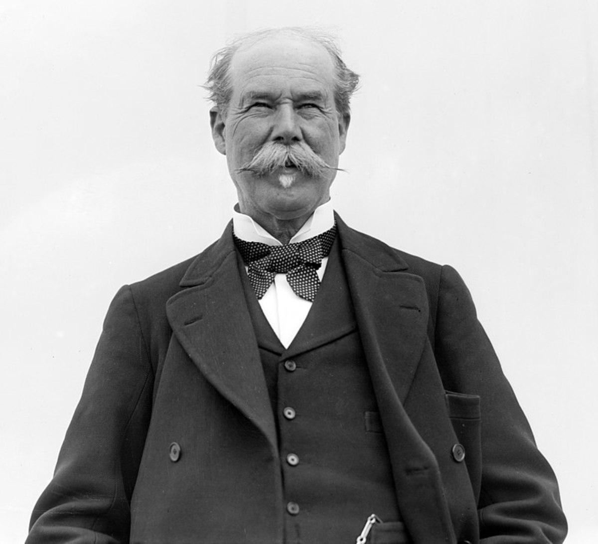 Tommy Lipton in 1909.
