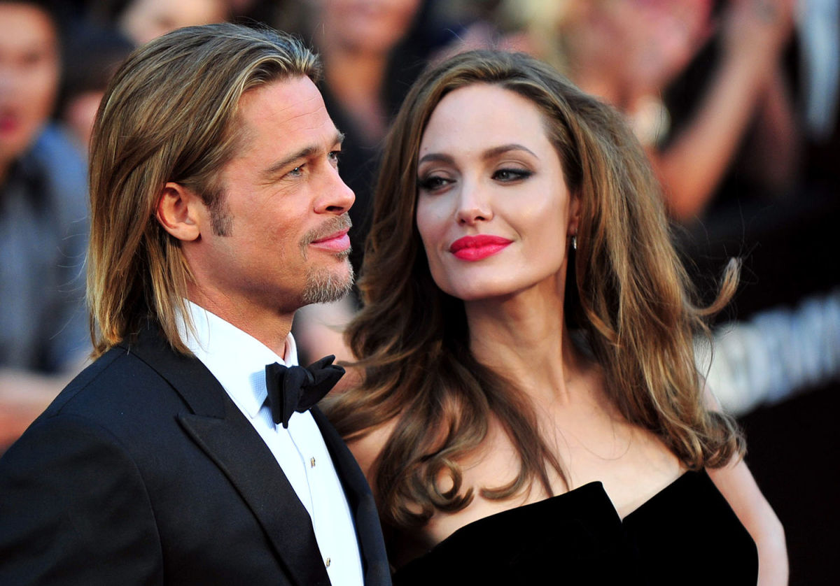 18 Celebrity Couples Who Famously Fell in Love on Set