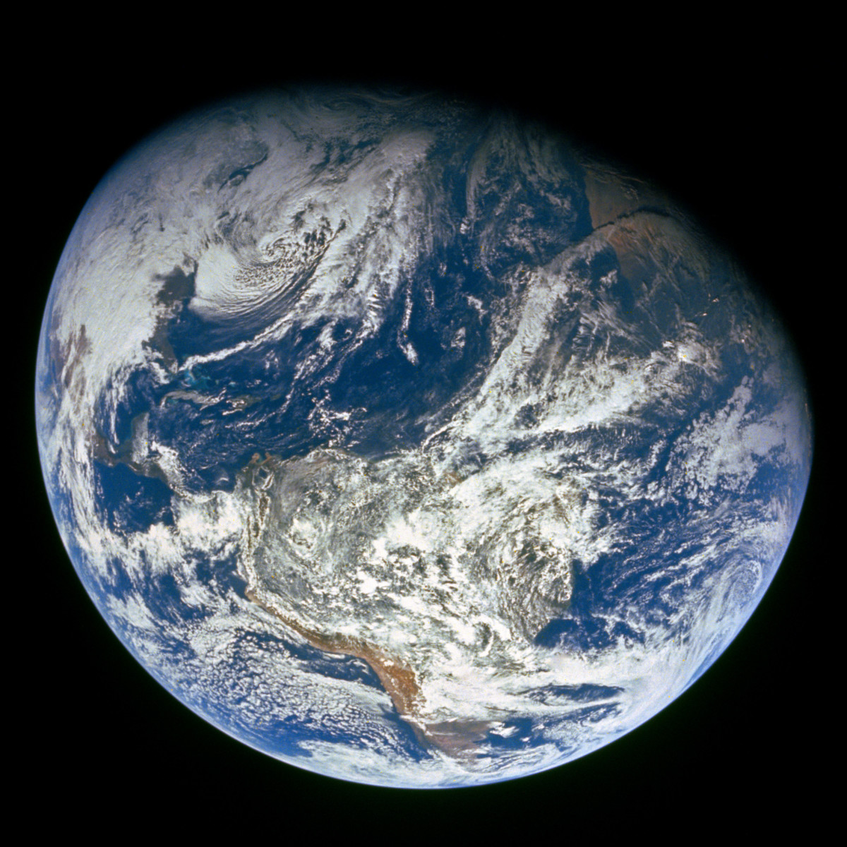 The first image taken by humans of the whole Earth. Photographed by the crew of Apollo 8, the photo shows the Earth from a distance of about 30,000 km.