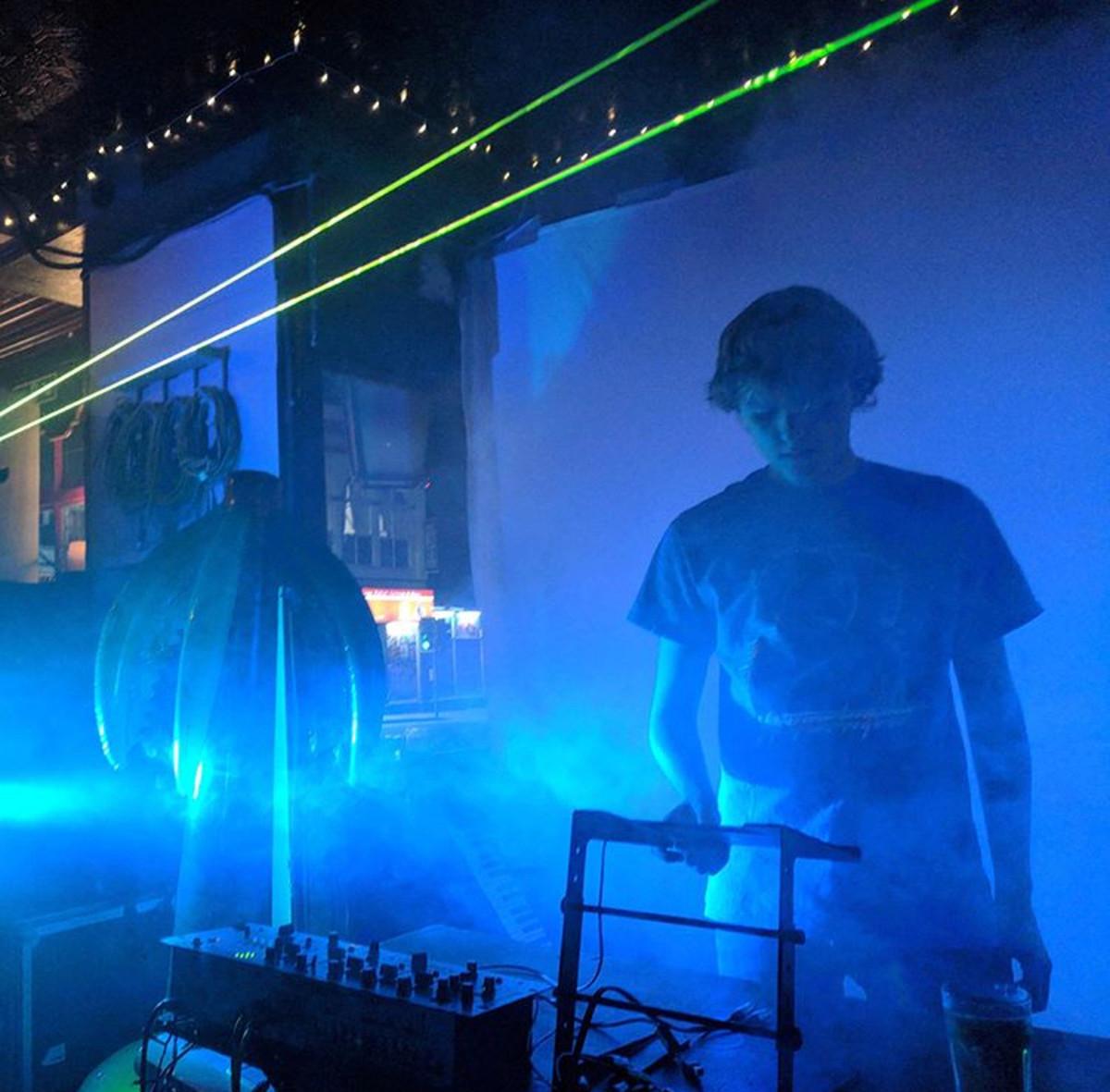 An Interview With U.K. Synthwave Artist Aeronexus
