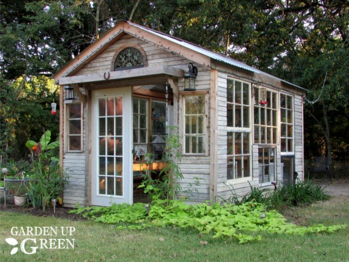 """She Shed"" or Craft Room: Pros and Cons"