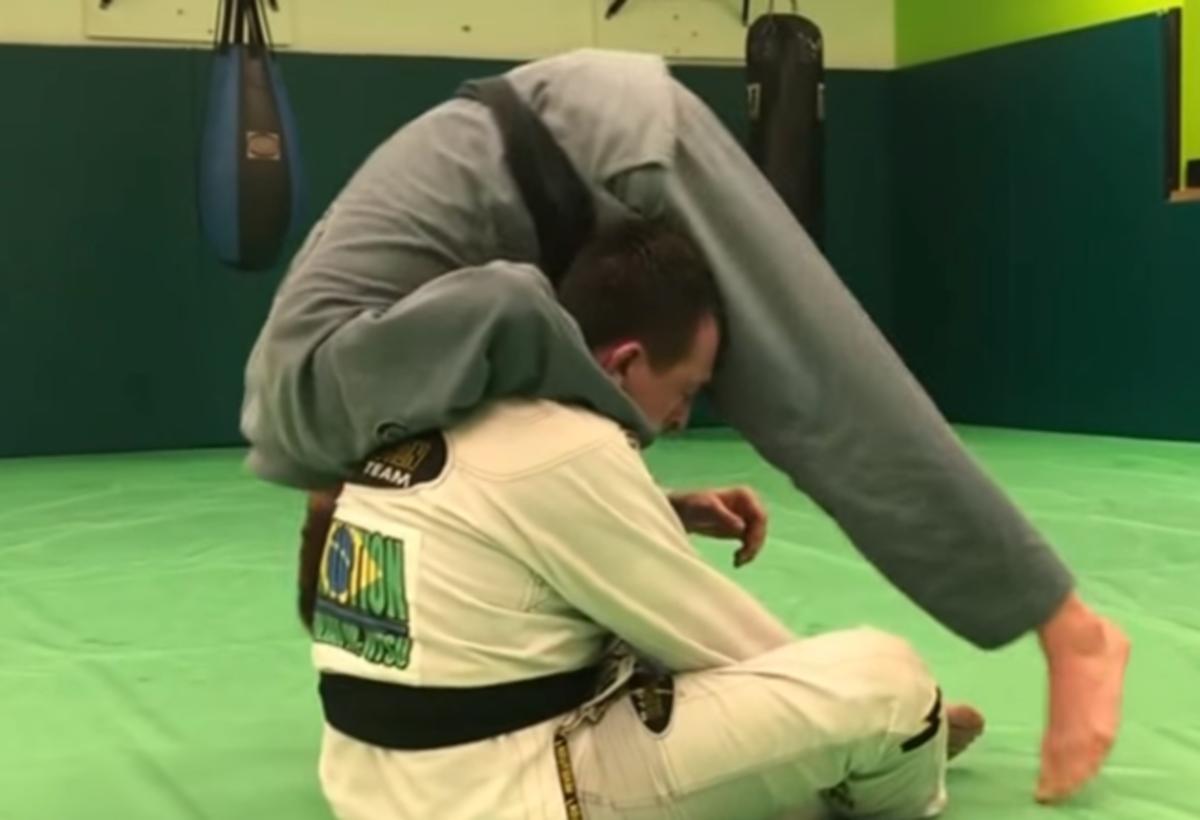 How to Do the Rolling Loop Choke in Brazilian Jiu Jitsu