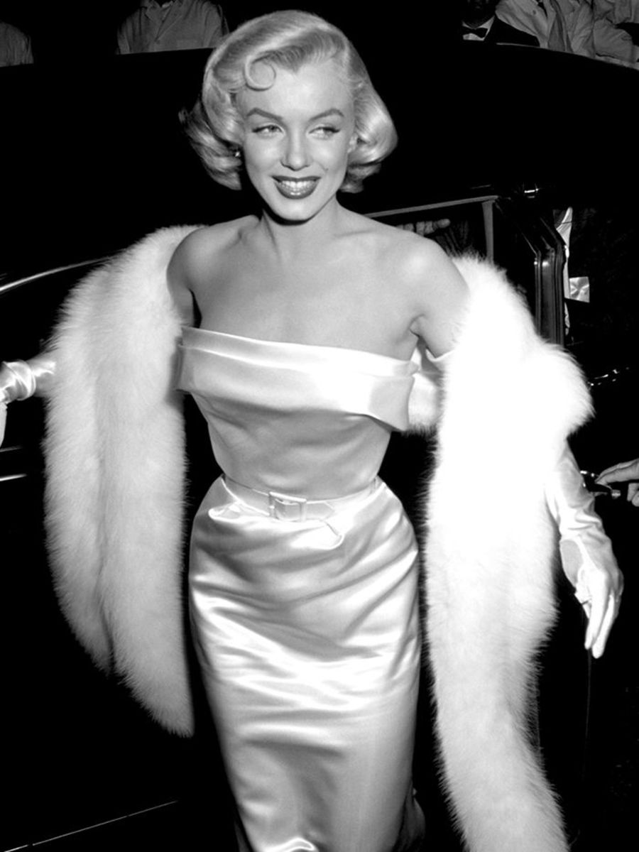10 Unforgettable Red Carpet Looks From Classic Hollywood