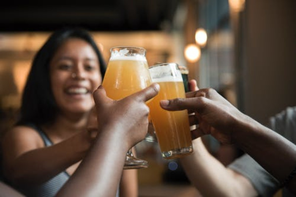 """Beer And People """"Thinking"""" That They Are Having Fun."""