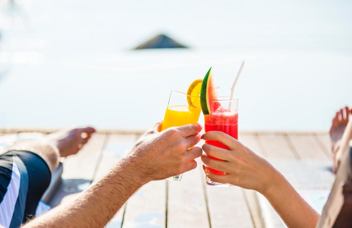 How to Save Money When Planning a Holiday (5 Budget-Friendly Tips)