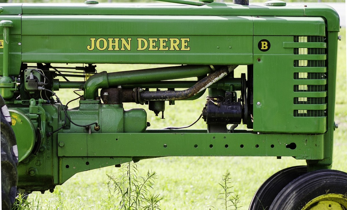 All About the John Deere 425 (JD 425) Lawn & Garden Tractor