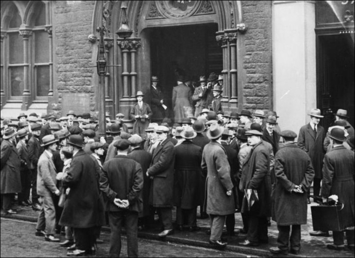 A public meeting during the Belfast Relief strikes of 1932