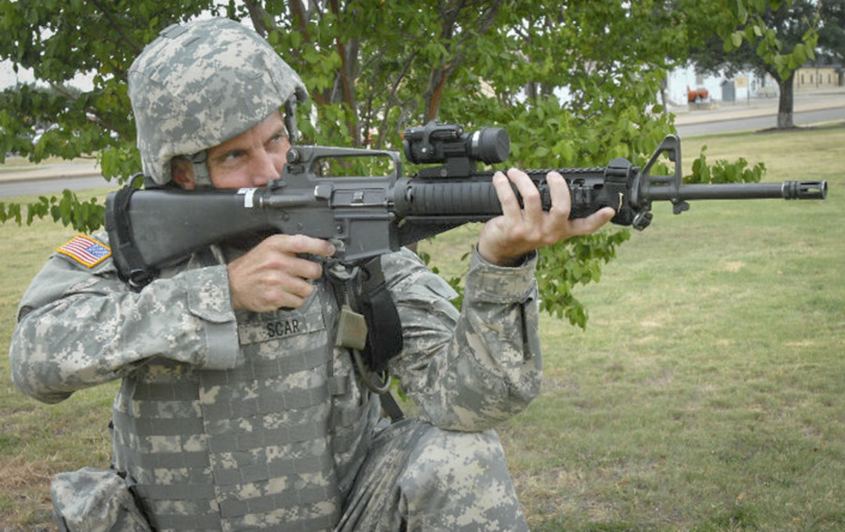 Getting to know the M16, with my head gear all jacked up.