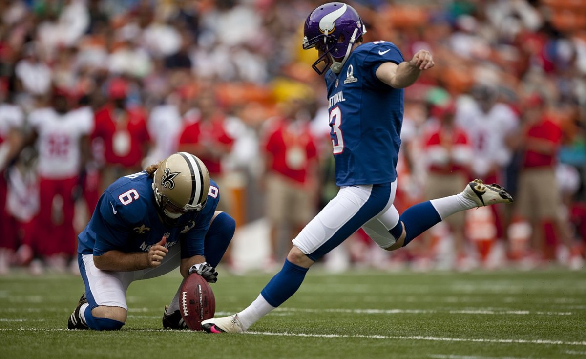 5 Reasons Why Punters Hold for Field Goals